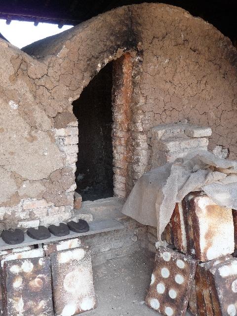 souvenirs du rwanda la poterie l artisanat le plus ancien du rwanda inzu lodge. Black Bedroom Furniture Sets. Home Design Ideas