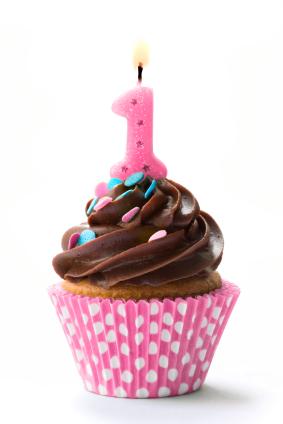 1-candle-cupcake